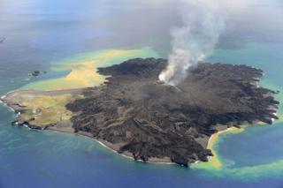 西之島噴火001.png